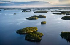 Tourism guide to Finland. A travel guide to the best attractions in Finland in summer and winter. Things to see and do when traveling in Finland. Helsinki, Lappland, Wild Park, Seen, Water Life, Natural Beauty, National Parks, Places To Visit, Island