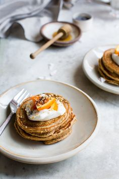 Lemon And Poppy Seed Pancakes. Lemon and Poppy Seed Pancakes are a delicious way of changing up your typical pancake recipe. Waffle Recipes, Brunch Recipes, Breakfast Recipes, Dessert Recipes, Desserts, Breakfast And Brunch, Breakfast Pancakes, Breakfast Bites, Vegan Breakfast