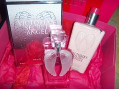 love my new perfume :) Victoria Secret Perfume, Victoria Secret Pink, Pink Love, Vs Pink, Angel Perfume, Perfume Body Spray, Barbie, Fancy Schmancy, Packaging