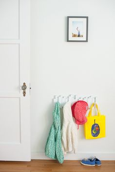 Warm, modern toddler girl's room from Mercie Ghimire Photography | 100 Layer Cakelet