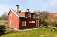 4 Bedroom Farmhouse in Bergen to rent from £730 pw. With Log fire.