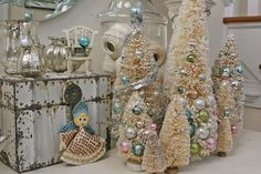 Bottle Brush Tree and silver love it Sonya Noel Christmas, Pink Christmas, Beautiful Christmas, All Things Christmas, Christmas Crafts, Christmas Decorations, Turquoise Christmas, Christmas Thoughts, Christmas Houses