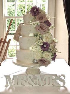 English Garden - ICED WEDDING CAKES