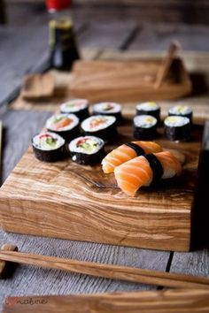 Sushis et makis preparation