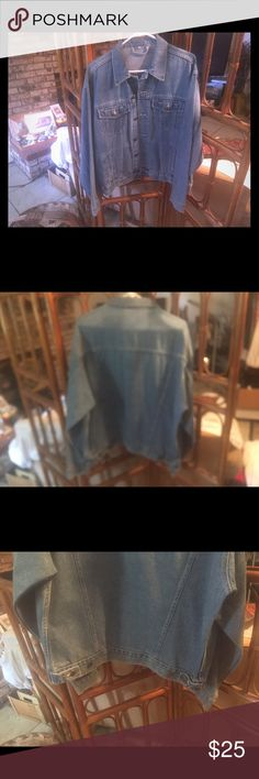 BLUE JEAN JACKET NWT BLUE JEAN JACKET Great to add to your Cowgirl or Cowboy boots -jeans-dress you decide- inside pockets and outside pockets great detail construction BUNDLE WITH my blue Jean dress get 10% off Then you'll be ready for Rodeos Casual affairs NO NAME Jackets & Coats Jean Jackets