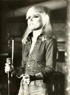 Debbie Harry classic. Blondie. One of the best frontwomen of all time.