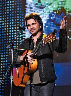 Juanes es un apodo para el estrello.