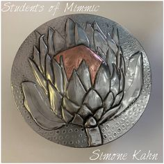 Sim' gorgeous protea in a cake tin , made at Mimmic Gallery and Studio Pewter Art, Embossing Techniques, Metal Embossing, Metal Art, Sim, Decorative Bowls, Students, Craft Ideas, Studio