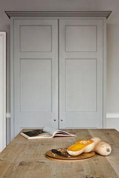 Plain English I Bespoke Oak Kitchens Autentico 'Gris' with a pared down natural beech . Bespoke Kitchens, Grey Kitchens, Luxury Kitchens, Home Kitchens, Larder Cupboard, Kitchen Cupboards, Wood Cabinets, Plain English Kitchen, English Kitchens