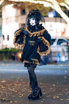 Japanese artist Shironuri Minori in All-Black Vintage & Handmade Street style … – Wanderlust Urban Street Fashion, Tokyo Fashion, Japanese Street Fashion, Harajuku Fashion, Kawaii Fashion, Punk Fashion, Lolita Fashion, Girl Fashion, Fashion News