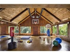 Trendy Home Gym Design Layout Basketball Court Dream Gym, My Dream Home, Home Gym Design, House Design, Best Home Gym, Gym Room, Pole Barn Homes, Garage Gym, Trendy Home