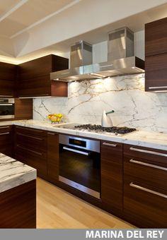 Shabby chic kitchen cabinets interiors 53 Ideas for 2019 Kitchen Cabinets Drawing, Kitchen Cabinet Interior, Kitchen Room Design, Modern Kitchen Cabinets, Modern Kitchen Design, Kitchen Layout, Home Decor Kitchen, Interior Design Kitchen, Shabby Chic Kitchen Shelves