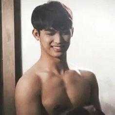 비투비 현식 임현식 근육 GIF - HyunsikIm HyunsikLim BToB - Discover & Share GIFs