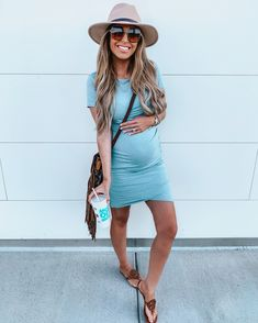 pregnancy outfits casual 568298046732320142 - Source by fernandesmalory Casual Maternity Outfits, Outfits Casual, Stylish Maternity, Maternity Wear, Spring Maternity Fashion, Cute Pregnancy Outfits, Maternity Clothes Spring, Maternity Styles, Maternity Swimwear