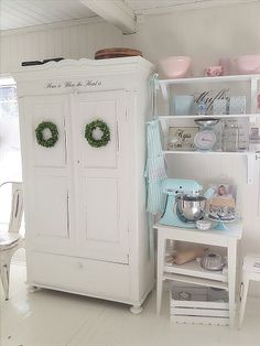 Love this Kitchen!!! Picture from Facebook,Laila Emely Nordseth -a woman with great taste ;)