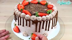 Chocolate Drip Cake with Strawberries. Credit: Cakepedia Chocolate Drip Cake with Strawberries. Delicious Cake Recipes, Dessert Recipes, Yummy Food, Drip Cakes, Crazy Cakes, Chocolate Drip Cake, Strawberry Cakes, Strawberry Recipes, Chocolate Strawberries