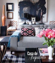 Conheça a casa do arquiteto Javier Castilla. Veja mais: http://www.casadevalentina.com.br/blog/materia/casa-de-arquiteto-1.html #decor #decoracao #interior #design #cozy #modern #moderno #sala #living #casadevalentina