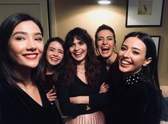 sizi seviyorum Stylish Girls Photos, Girl Photos, Charlie Video, Turkish Actors, Famous People, Movie Tv, Most Beautiful, I Am Awesome, Tv Shows