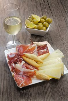 Tapas, anyone? devourspain.com