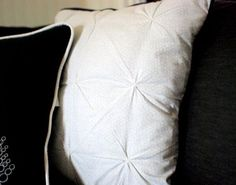 Piping ~ How to Add Piping to a Pillow | Sew Mama Sew |