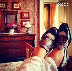 """Warm atmosphere in the """"Aurora Room"""" of """"Palazzo Pucci"""" for the #luxury #mocassin by #DiPaoloShoes. Snakeskin, fabric, calf; three different types of materials for a wonderful #shoe!  #ExpoolConsortium #italianshoes #madeinitaly #manshoes"""