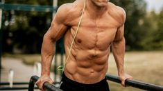 High intensity interval training (HIIT) burns maximum calories in a minimum amount of time. Get in beach-body shape with these 10 HIIT workouts. Best Shoulder Workout, Best Chest Workout, Chest Workouts, Chest Exercises, Shoulder Exercises, Hiit Workouts For Men, Easy Workouts, Best Hamstring Exercises, Stretches