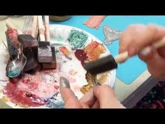 Painting brass stampings with InkaGold by Viva Decor metallic paints and Mica Powders.making your own unique paints with Brenda Sue Lansdowne of B'sue Bou. Inka Gold, Metal Jewelry, Diy Jewelry, Vintage Jewelry, Jewelry Making, Art Journal Tutorial, Clay Tutorials, Video Tutorials, Gloss Paint