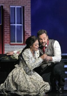 Bryan Hymel and Ailyn Pérez star in Faust with Santa Fe Opera