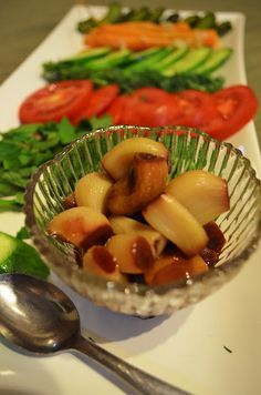 Iranian Sugar-Pickled Garlic. You never knew eating whole cloves of garlic could taste this good!!