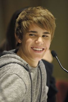 Justin Beibs just keeps getting cuter and cuter <3