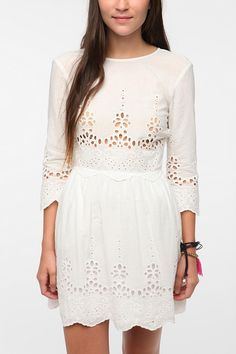 Long-Sleeved Val Dress // DV By Dolce Vita…gonna have to wear a tank underneath to cover up the nips though!
