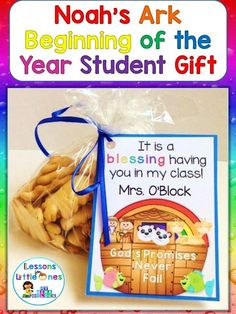 Noah's Ark student gift tag plus 19 more cute ideas & designs for simple & inexpensive back to school, Open House, and/or Meet the Teacher student gifts. Preschool Open Houses, Preschool Gifts, Preschool Classroom, Preschool Ideas, Classroom Ideas, Christian Preschool Crafts, Preschool Curriculum, Classroom Resources, Future Classroom