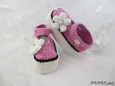Summer Baby Flower Shoes,Pink Crochet Baby Booties, Crochet Baby Shoes, Crochet Baby Booties, Crochet Baby Flip Flops, Girls Mary Janes My yarn is 55% cotton, 45% acrylic. Soft, gentle for babies.So it is better to protect the baby skin.Have crochet sole+Eva Foam Rubbers Shoe/Boot.  The pattern is so adorable and comfort, durability. It is suitable from newborn to the baby within the first year .  Size: (please include the size in the note to seller box at checkout ,thank you)  size 1…