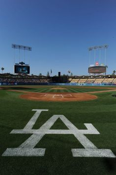 Beautiful Dodger Stadium, let's go BOYS IN BLUE!!  Keep winning those games Dodgers!!