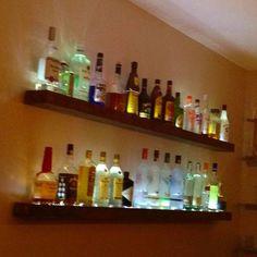 Contemporary Bar Shelf Idea Best On Basement Design Pertaining About Wine Liner Lighting Height Plastic Mesh Matting Bracket Liquor Bar, Gin Bar, Diy Home Bar, Bars For Home, Whisky Regal, Shelf Above Tv, Bottle Display, Bar Shelves, Backyard Bar
