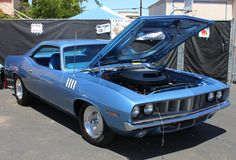 This Is One Clean Muscle Car. A Beautiful Blue 1971 Plymouth Barracuda | Flickr - Photo Sharing!