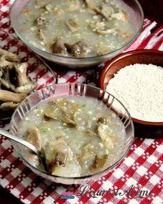 Piftie vegana cu ciuperci si un ingredient secret - Lecturi si Arome Raw Vegan Recipes, Vegetarian Recipes, Healthy Recipes, Vegan Food, Hummus, Romanian Food, Romanian Recipes, Tasty, Yummy Food