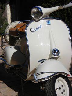 Marca: Vespa Modelo: 125L Año Fabricacion: 1958 Año Restauración: 2010 Trabajos realizados: - Arenado...