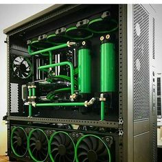 Awesome build by @jayztwocents! Cant get over its beauty 😍 your thoughts? ☟  #game #gaming #PC #pcporn #beautiful #watercooling #pcbuild #cpu #GhZ #graphicscard #gpu #cpucores #benchmark #clockspeed #battlefield1 #skyrim #steam #valve #custompc #sidepanel #art #pretty #cinibench #3dmark #test #bios