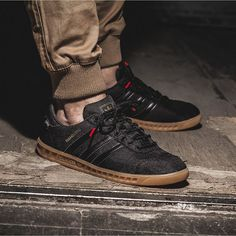 "adidas Hamburg ""Gore-Tex Pack"" – Sneaker Store Fulda - All About Moda Sneakers, Sneakers Mode, Retro Sneakers, Casual Sneakers, Sneakers Fashion, Casual Shoes, Adidas Sneakers, Sneaker Outfits, Converse Sneaker"