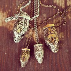 whoa, i wanna make something like this! beautiful! pamela love