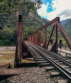 Tours a Machu Picchu y Cusco - Peru Pachamama Travel Machu Picchu, Cusco Peru, Inca, Railroad Tracks, Tours, Travel, Peru Travel, Travel Agency, Walks