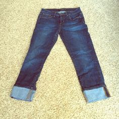 JOE'S Jeans, Size: 25. JOE'S Jeans, Size: 25. Dark wash, cropped. Zipper intact. Gently used, great condition. Joe's Jeans Jeans Ankle & Cropped