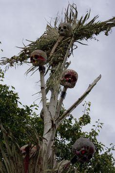 Junglerot Scarecrow by Devils Chariot Voodoo Party, Voodoo Halloween, Casa Halloween, Halloween Scarecrow, Halloween 2015, Outdoor Halloween, Halloween Projects, Diy Halloween Decorations, Holidays Halloween