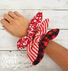 How To Make A Scrunchy With A Cricut Machine (Free SVG File) - Simple Made Prett. The Effective Pictures We Offer You About Cricut plastic folder A quality pictur Diy Hair Scrunchies, How To Make Scrunchies, Sewing Projects For Beginners, Sewing Tutorials, Sewing Crafts, Sewing Tips, Sewing Patterns Free, Free Sewing, Diy Fashion Projects