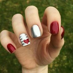 I want to get my nails done like this for Valentines day! ❤♥❣