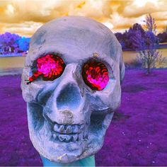 En güzel dekorasyon paylaşımları için Kadinika.com #kadinika #dekorasyon #decoration #woman #women #humanskull #figurine #decoration #toy  #art #artistic #artsy #beautiful #psychedelicart  #daring #different #digitalart #skull #skulls #humanskulls