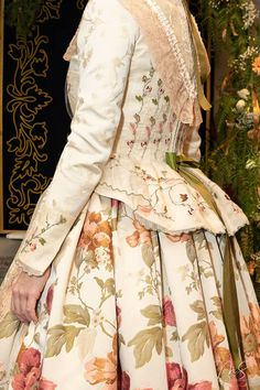 Regional, Victorian, Dresses, Fashion, Girly Girl, Petticoats, Facts, Traditional, Suits