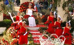 Queen's float - Rose Festival parade, Portland, OR