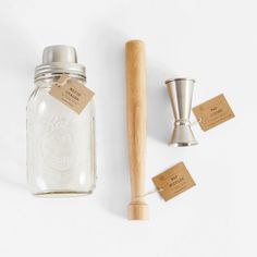 Includes mason jar cocktail shaker, muddler, and jigger.    Materials: glass, wood, stainless steel   Size: 12 x 9 x 6